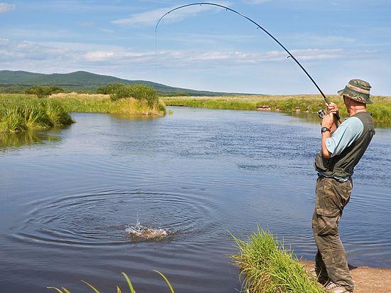 когда лучше ловить рыбу в архангельске