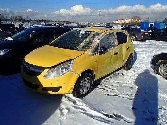 Владимирские полицейские эвакуировали наштрафстоянку машину с сыном внутри