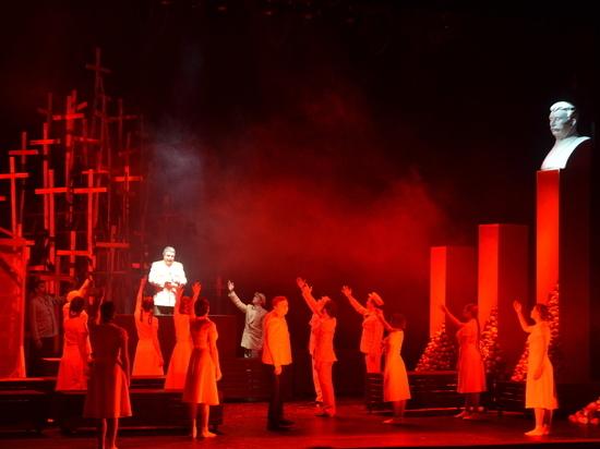 Владимирцам показали спектакль «Раковый корпус. Сосланные навечно»